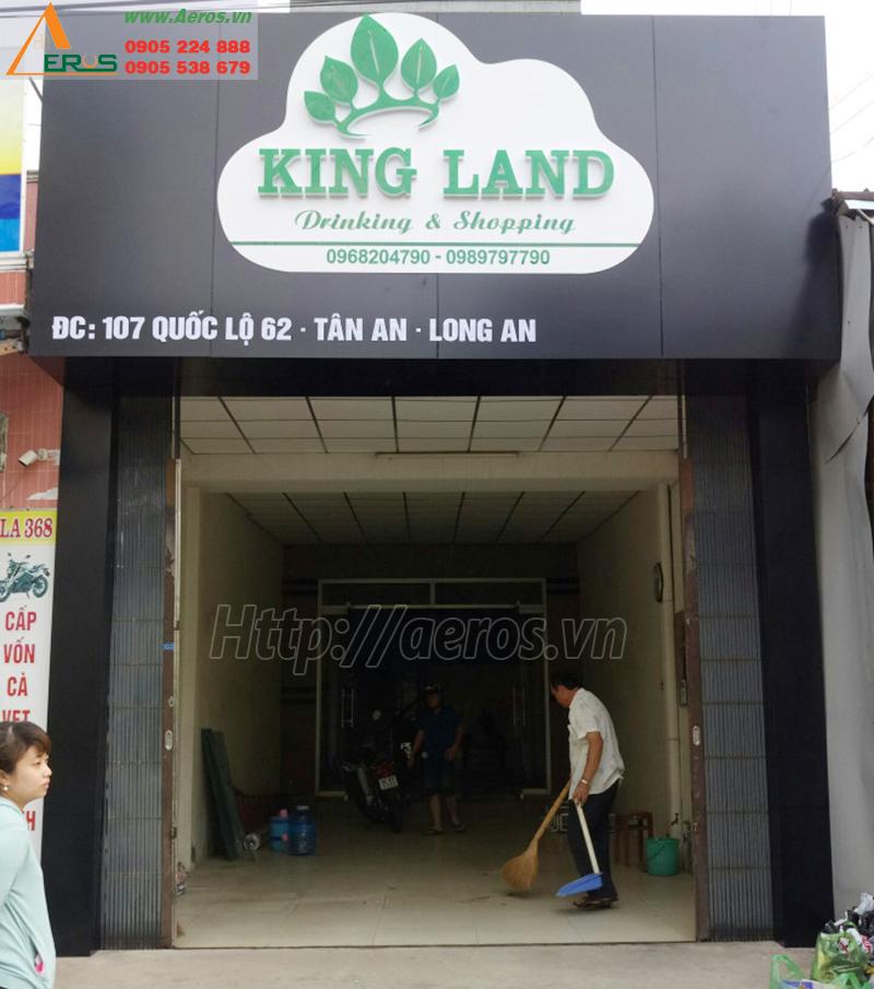 Hình ảnh thi công bảng hiệu quán trà sữa King Land ở tại Tân An, Long An